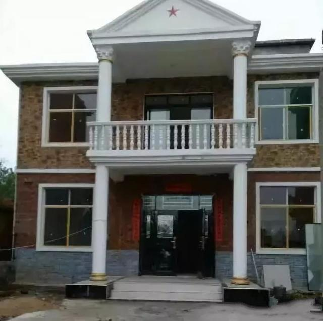 与在城里买一套两居室公寓相比,你可以在你的家乡建一栋别墅。现在让我们来看看!
